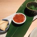 58670604 - 烏賊塩辛、いくらおろし、薫製チーズ