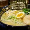 無敵家 - 料理写真:本丸麺