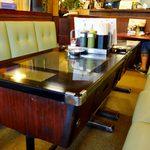 レストラン喫茶 タクト - ゲーム機テーブル