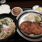 だんご庵 - 料理写真:日替り定食=730円 当日は、とんかつです