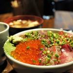 はじめ鮮魚店 - 海鮮=天然まぐろ、天然ぶり、いくらの三点盛り