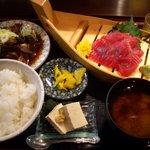 まぐろ食堂まりん - お刺身定食(+うま煮の小鉢)780円♪