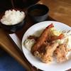 ボンジュール - 料理写真:海老フライと鶏の唐揚げ定食(税込880円)