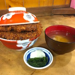安田屋 - 味噌汁&漬物付