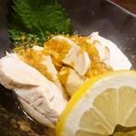 徳田酒店 御肉 - 蒸し鶏の香味ソースがけ