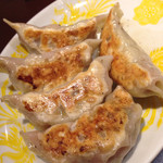 中華料理 珍味楼 - マダム陳の焼餃子¥500
