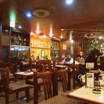 アロマ 珈琲 - 内観写真:クラッシクで雰囲気のある店内