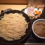 道 - 特製つけ麺 \1000 大盛り \150