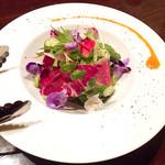 58771830 - 信州野菜とお花のサラダ/1180円