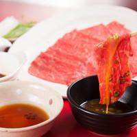 牛の炙り(ゆっけダレ・すきやき・ポン酢)