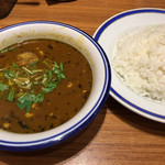 エチオピアカリーキッチン - チキン豆カレー3倍  ライスは通常でこの量と多過ぎるので半分にしてもらう