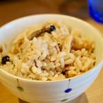 三代目 晴レル屋 - 鶏の炊き込みご飯並