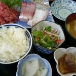 二八そば 晃市 - 料理写真:中おちとぶり刺し定食。