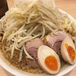 ぶたやま - ラーメン(730円)+味玉(100円)