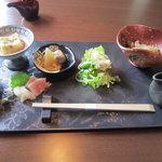 花鳥風月 花 - 料理写真:ランチ¥1,680の大皿