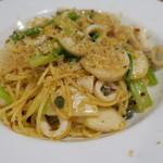 カフェ ブル - 小ヤリイカのスパゲッティ、シチリアーノ2