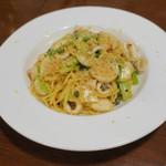 カフェ ブル - 小ヤリイカのスパゲッティ、シチリアーノ1