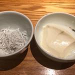 魚匠 銀平 - しらすと湯豆腐