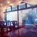 美女と野獣のカフェ・レストラン ビューティー&ザ ビースト - この日は宮殿のフロアでした(*´ω`*)