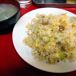 中華そば 金ちゃん - 料理写真:「チャーハン」580円也。税込。