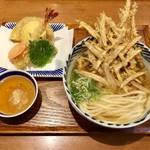 増田うどん - 天ぷらうどん別盛り980円、牛蒡天180円です。