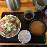 タカマル鮮魚店 - 青丼 1080円 2016.11