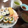 箱寿司 - 料理写真:ワンコイン∔赤出汁