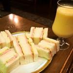 丸福珈琲店 - ハムサンドイッチ & ミックスジュース