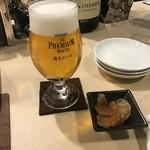 Kado-no-Casshiwa - 先ずは泡系の代表、ビールで乾杯です。
