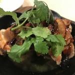 Kado-no-Casshiwa - 〆の一品にはフォアグラと華味鳥のモモ肉のソテーをジャングルソースでいただいてこの日の食事会は終了です。