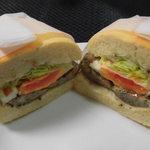 サンドイッチの店3 - エッグソーセージ 600円