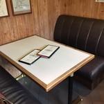 もりずみキッチン - テーブル席