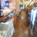 カレーハウス 横浜 ボンベイ - 店内はこんなカンジ