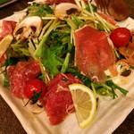 ダイニング イオリ - 生ハムと十勝マッシュと水菜のサラダ