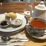 カフェ コロン - 料理写真:2016年11月 モーニングスコーンセット560円
