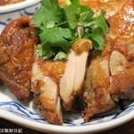 メナムのほとり - ガイヤーン、この料理は炭火焼など直火焼きでないと真価が出ない