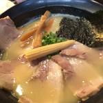 麺処 次男房 - 次男坊¥750+チャーシュー¥300