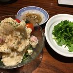 黒龍天神樓 - 201611再訪  台湾ソーセージ入りポテトサラダとパクチー