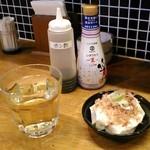 かき焼き はじめ - [料理] グラスワイン (白) &  すくい豆腐 (この日のお通し)