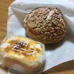 卵や - シュークリーム¥190 半熟チーズケーキ¥160