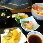 59064687 - 海鮮丼定食