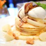 カフェアンジェ - 料理写真:洋梨のパンケーキ