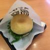 スシロー - 料理写真:鯖バーガー¥194  マカロンまでとは言わないが、大きめのシュークリームサイズ。バーガーサイズではないね
