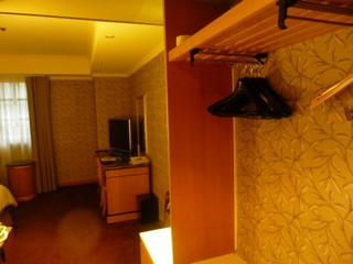 GLORIA PRINCE HOTEL - 2日目