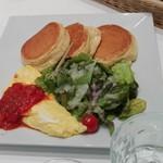 59106198 - パンケーキ&きのこチーズオムレツ