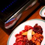 上野 太昌園 - 内臓系も食べられるお得なセット。