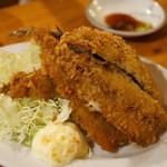 魚猫 - いわしフライ(1枚250円)