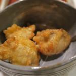 ステーキハウス華 - 前菜は、河豚の唐揚げ