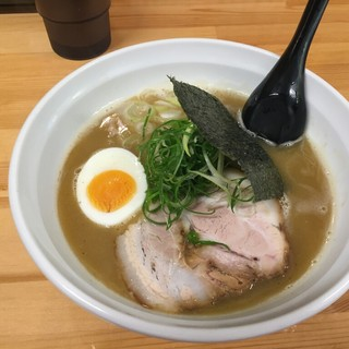 いっぽし - 料理写真:らーめん(700円)