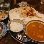 パトワール - [料理] Aランチ (チキンコーロマカレー) セット全景♪w